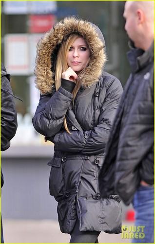 Avril Lavigne & Brody Jenner: NYC Stroll