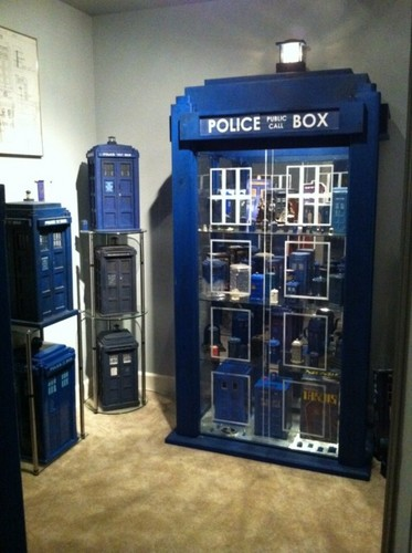 doctor who fondo de pantalla called How cool is this Tardis?