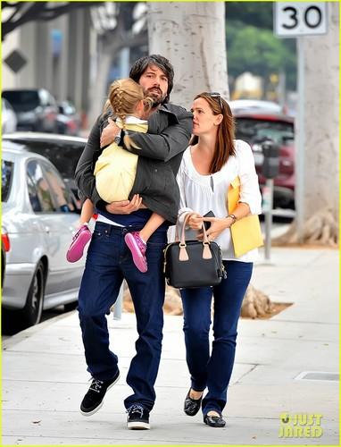 Jennifer Garner & Ben Affleck Smile in Santa Monica