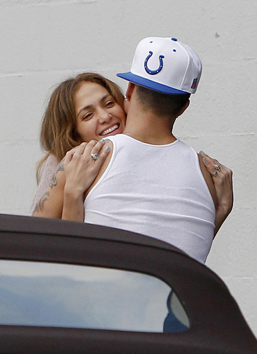 Jennifer Lopez Caught 接吻 Casper Smart