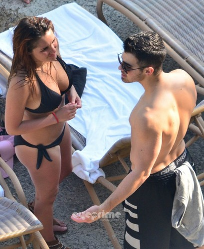 Joe Jonas New GirlFriend? - joe-jonas Photo