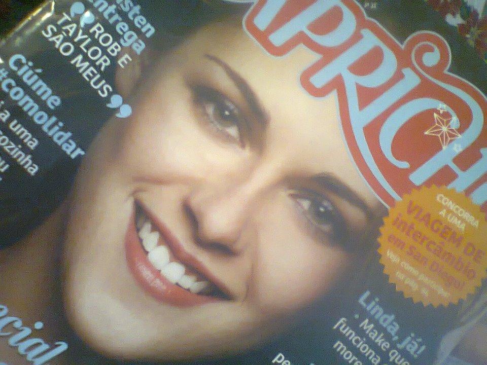 Kristen Stewart- Capricho ( Magazine )- November 2011