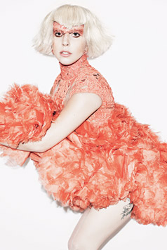 Lady Gaga- Elle photoshoot 의해 Matt Irwin