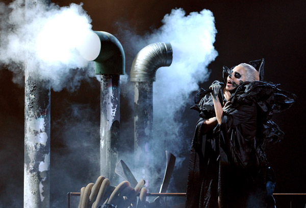 Lady-Gaga-Grammy-Nominations-Concert-Marry-The-Night-lady-gaga-27250866-600-407.jpg