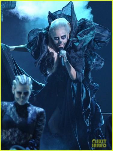 Lady Gaga performing live at Grammys Nominations konsiyerto