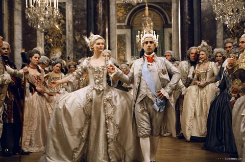 Marie Antoinette wolpeyper titled Marie Antoinette