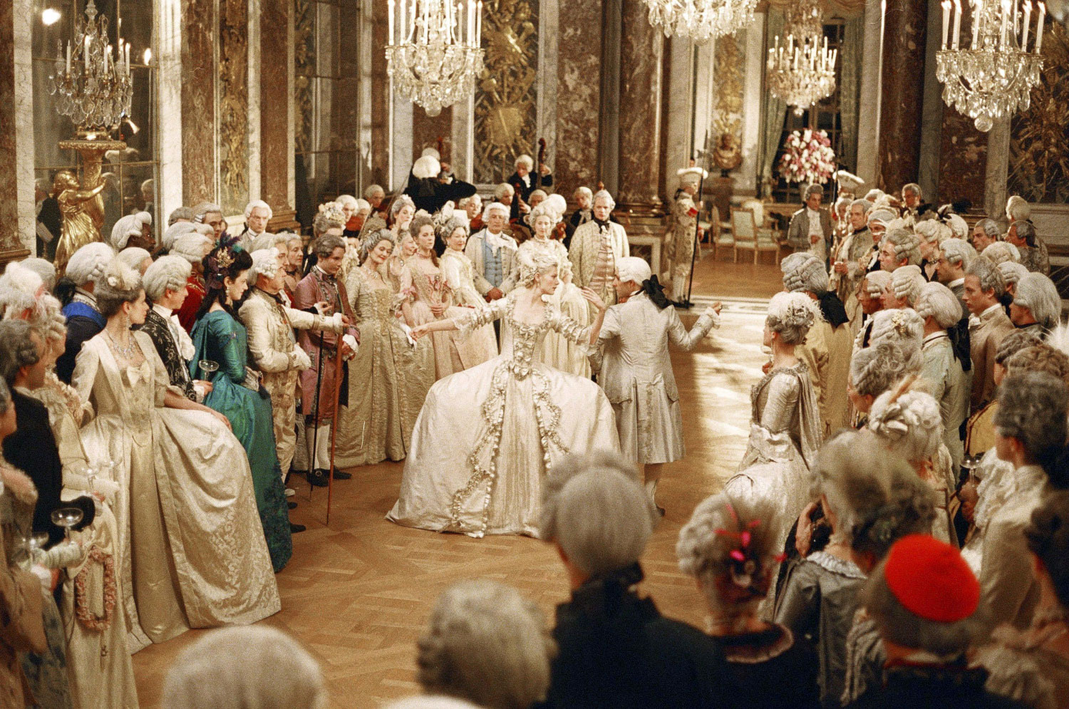 the life of marie antoinette in france