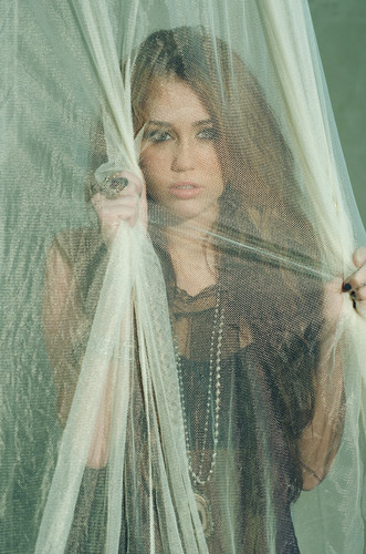 Miley Cyrus-Can't Be Tamed picha Shoot