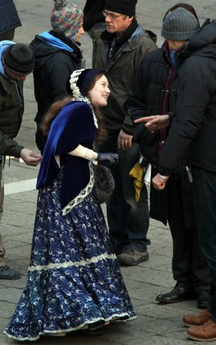 On the Set of Effie