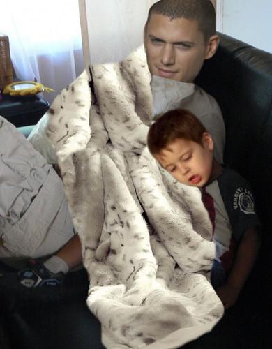 Prison Break - Michael Scofield and his little son MJ