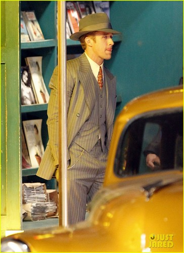 Ryan Gosling: Late Night on 'Gangster Squad' Set!