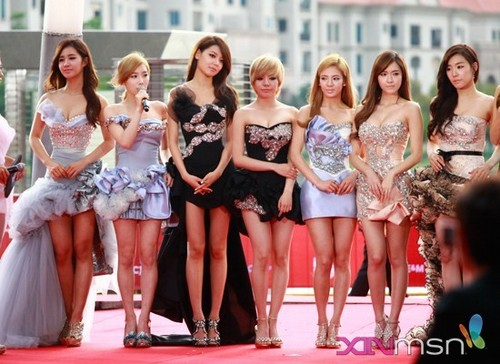 S♥NEISM wallpaper probably with a leotard and a portrait titled SNSD - 2011 MAMA red carpet
