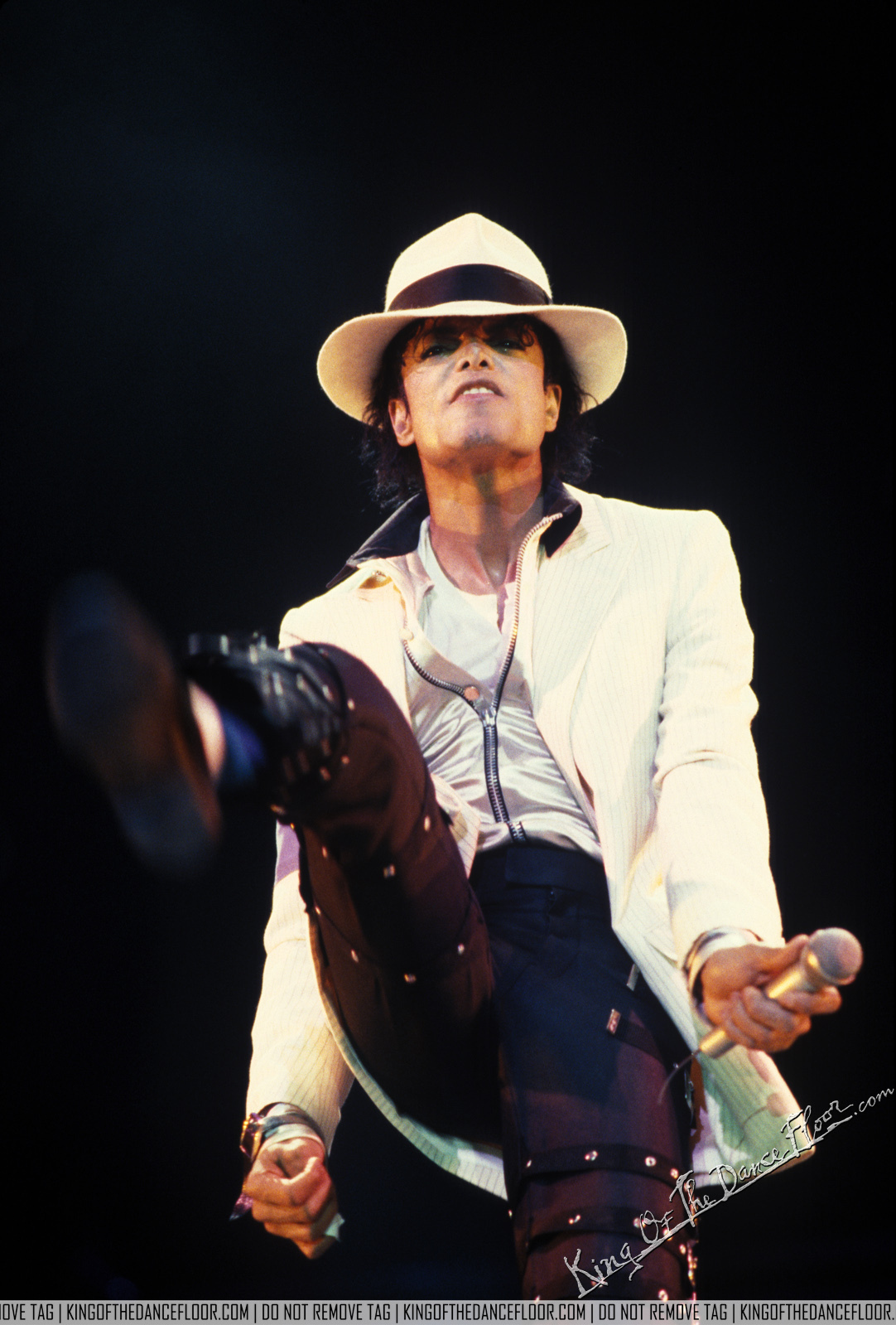 Smooth Criminal performance