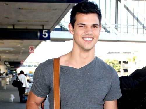 Taylor Lautner fond d'écran