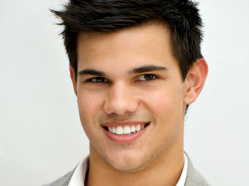 Taylor Lautner Wallpap...