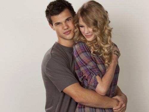 Taylor Lautner karatasi la kupamba ukuta