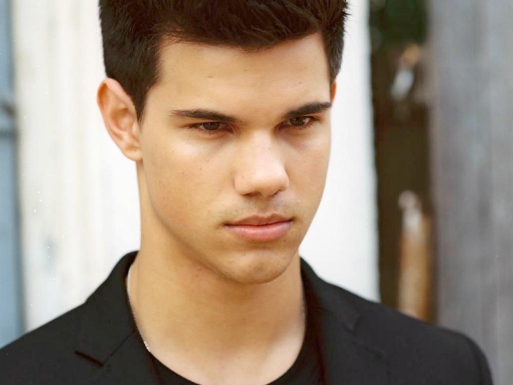 Taylor Lautner Wallpap... Taylor Lautner