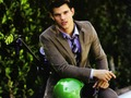 Taylor Lautner Wallpaper - taylor-lautner wallpaper