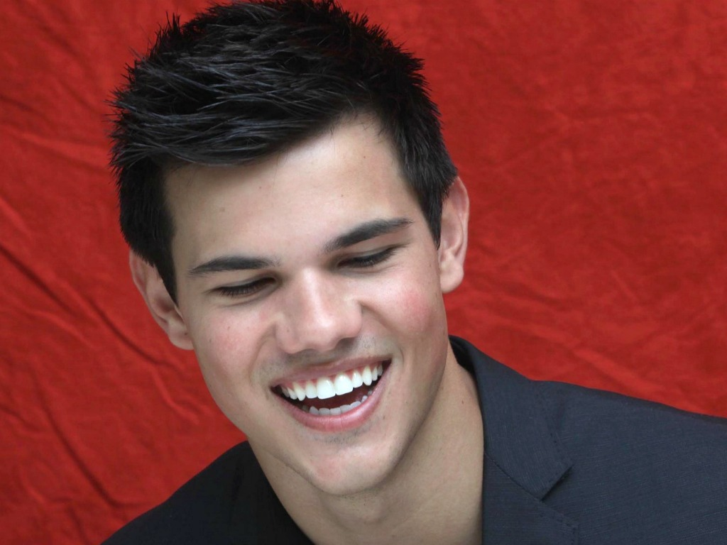 Taylor Lautner Wallpaper - Taylor Lautner Wallpaper (27265446 ...