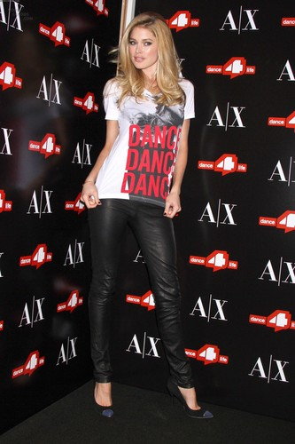 Unveils The A|X Armani Exchange Dance4life T-Shirt In Honor Of World AIDS araw