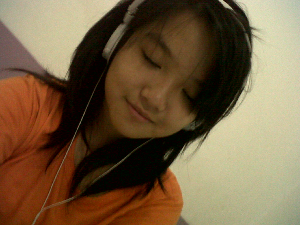 me ^^ hmm to many picture of me -_-