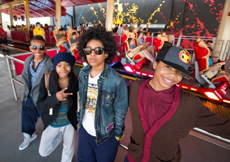 Mindless Behavior kertas dinding possibly containing a jalan and a sign titled mindless behavior