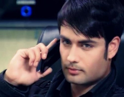 Vivian Dsena fond d'écran with a portrait entitled ABHAY-1