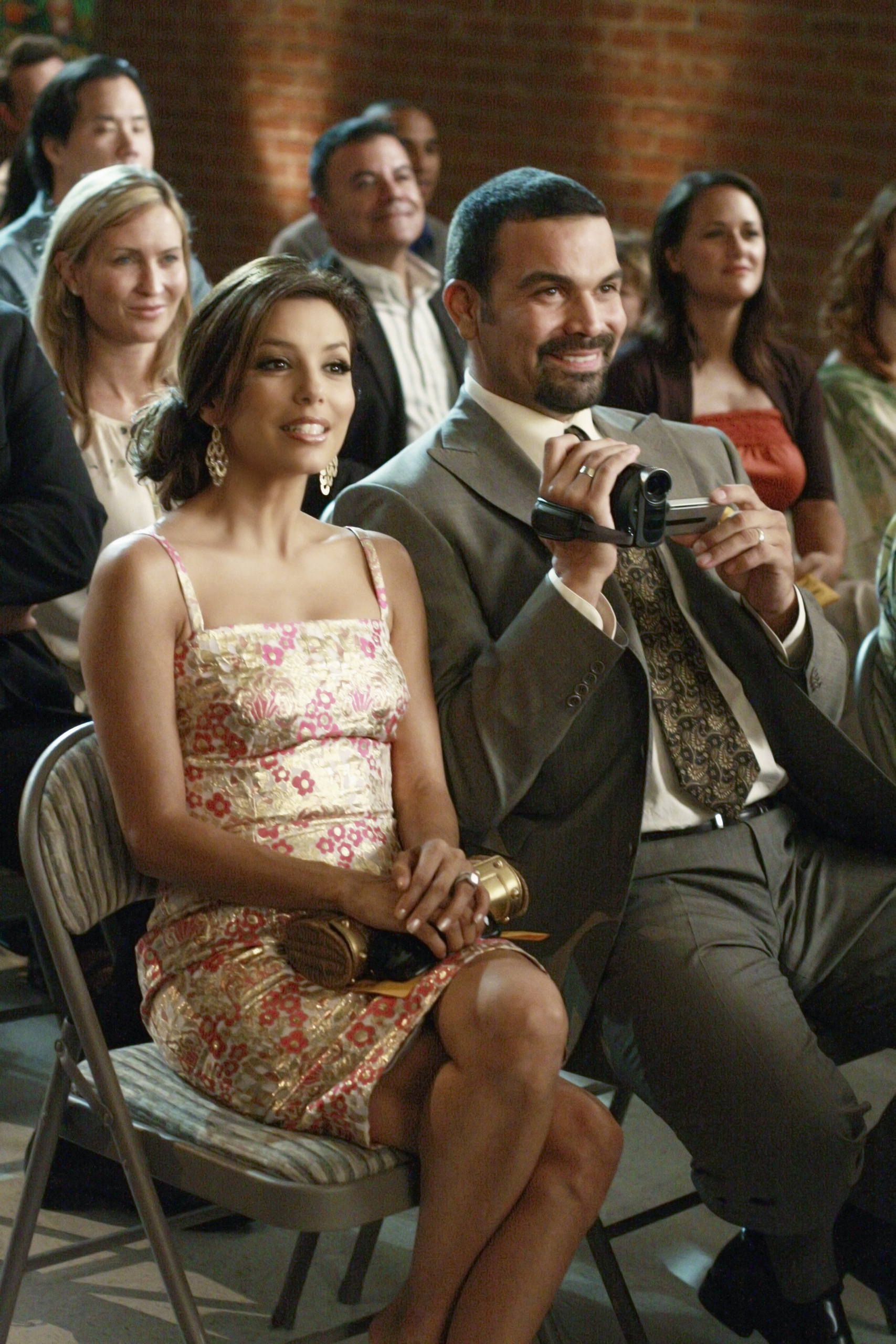 Desperate Housewives Season 6 / The identity of mike's new wife is revealed;