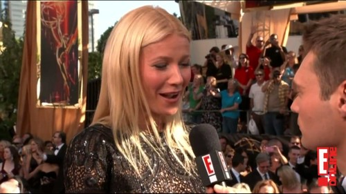 Gwyneth Paltrow wallpaper probably containing a brasserie titled Gwyneth Paltrow