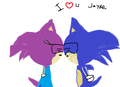 Jayde and sonic kissing
