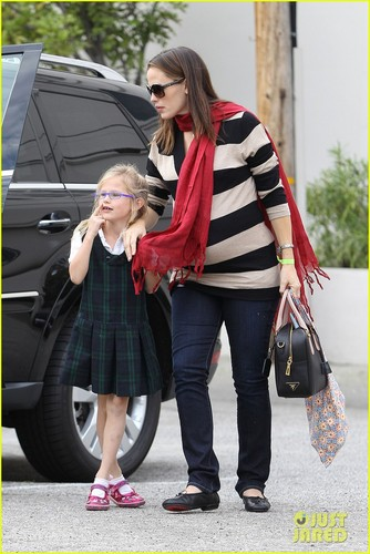 Jennifer Garner: Breakfast with Seraphina!