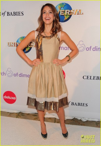 Jessica Alba & Amanda Seyfried: March of Dimes Luncheon!