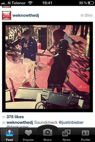 Justin Bieber Disney, 2011 instagram
