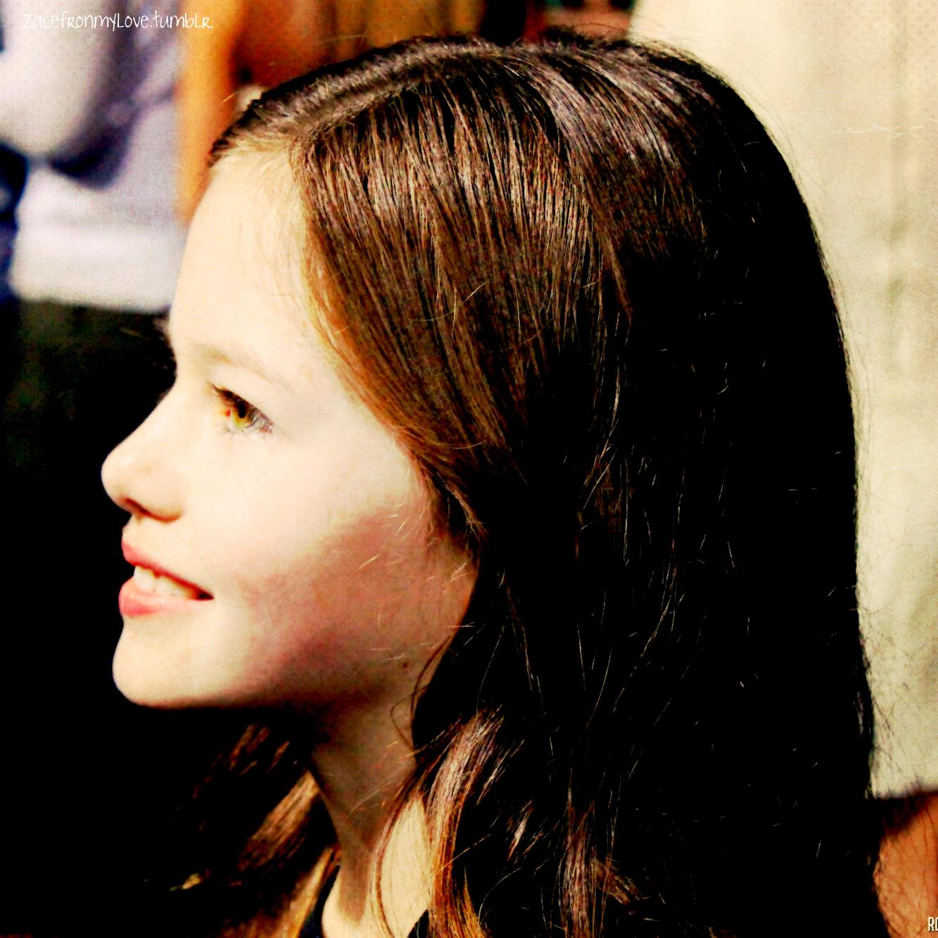 Mackenzie Foy - Twilight Series Fan Art (27374868) - Fanpop