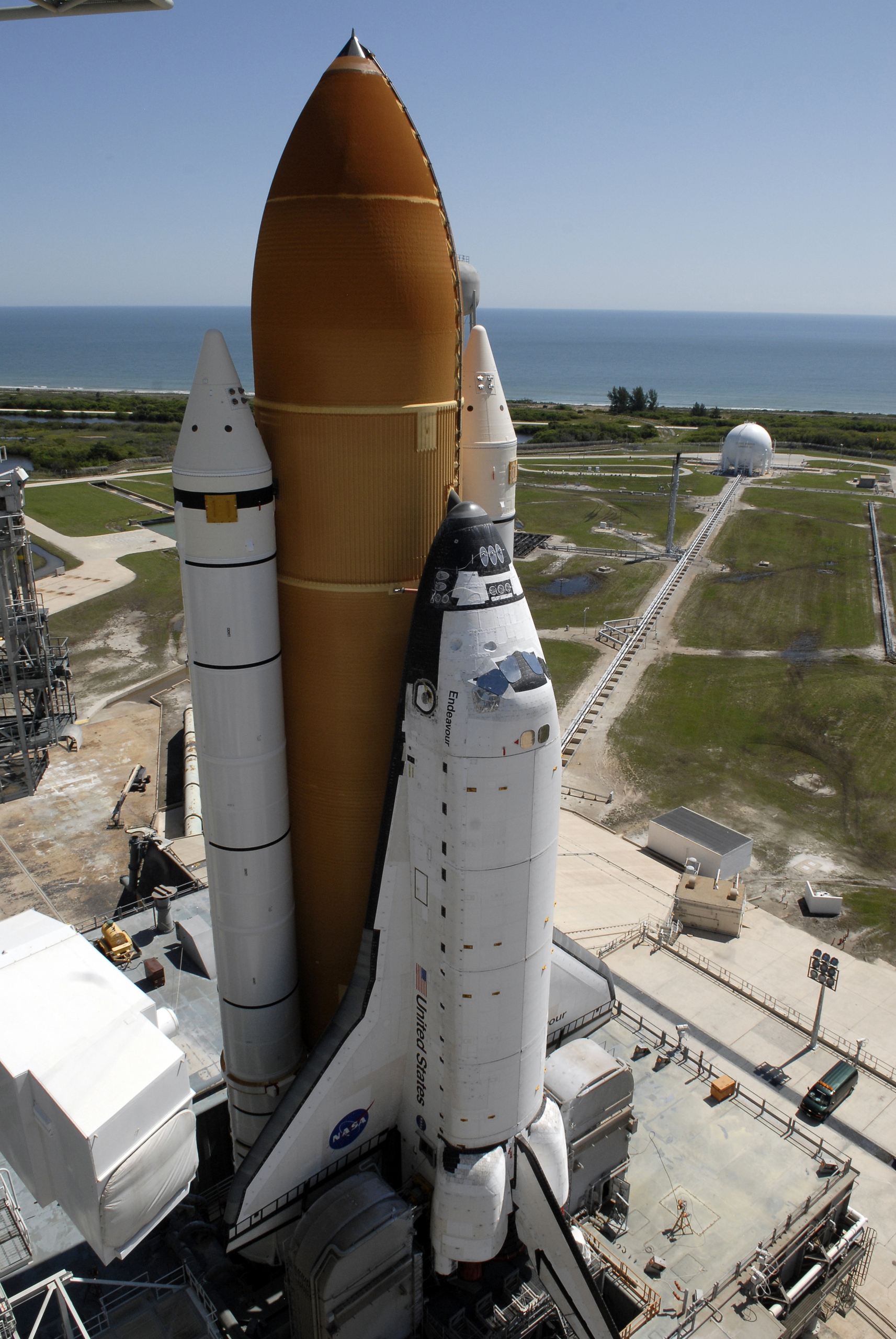 space shuttle endeavour in space - photo #19