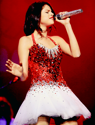 Selena Gomez:Jingle Ball In Sacramento