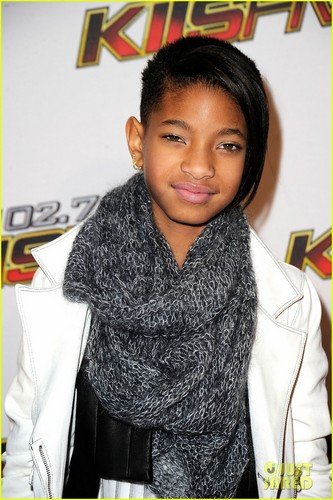 Willow Smith: Debut Album Hits Stores April 3!