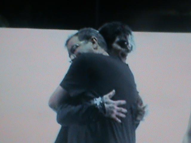 best hug!! so sweet!!!! :3