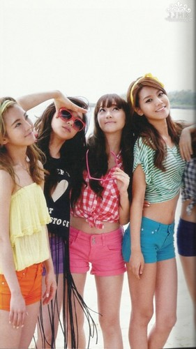 S♥NEISM Hintergrund probably with hot pants and hot pants, hot-pants titled snsd - holiday photobook scans