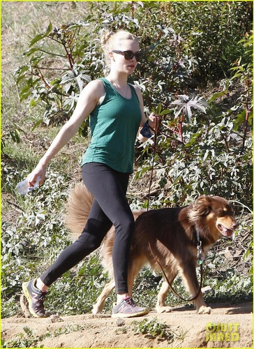 Amanda Seyfried: Birthday Stroll with Finn!