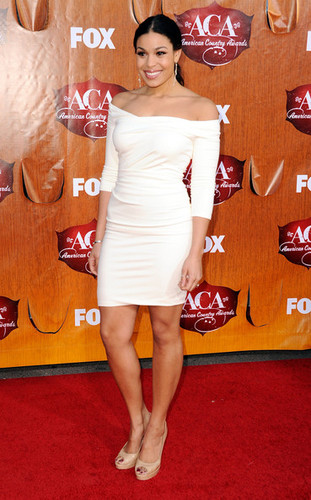 Jordin Sparks wallpaper with bare legs called American Country Awards 2011 - Arrivals