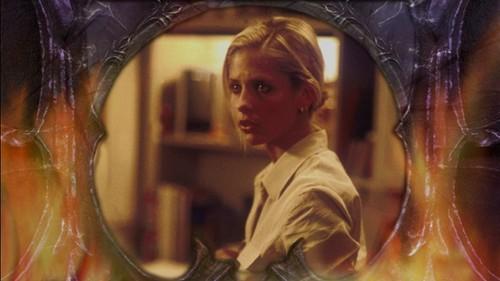 Buffy Season 4 DVD các bức ảnh