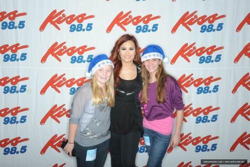 Demi Lovato kiss 98.5 Buffalo Kissmas Bash 2K11 - Meet & Greet