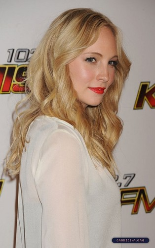 Extra HQ pics of Candice at KIIS FM's Jingle Ball 2011