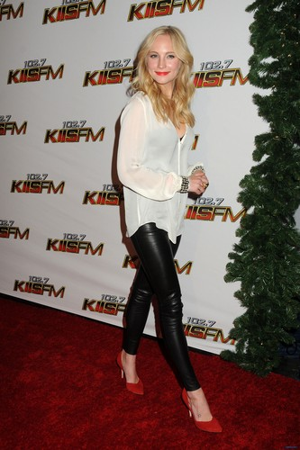Extra HQ pics of Candice at KIIS FM's Jingle Ball 2011