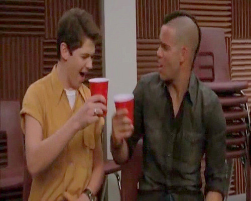Glee - Red Solo Cup - screenshots