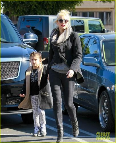 Gwen Stefani: natal Shopping with the Boys!