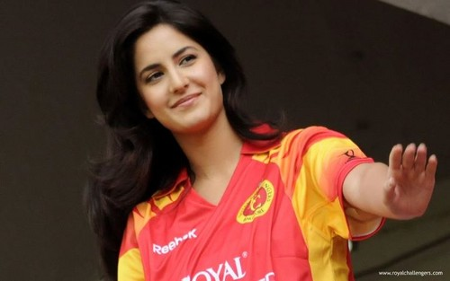 Katrina Kaif karatasi la kupamba ukuta entitled Indian Premier League (IPL)