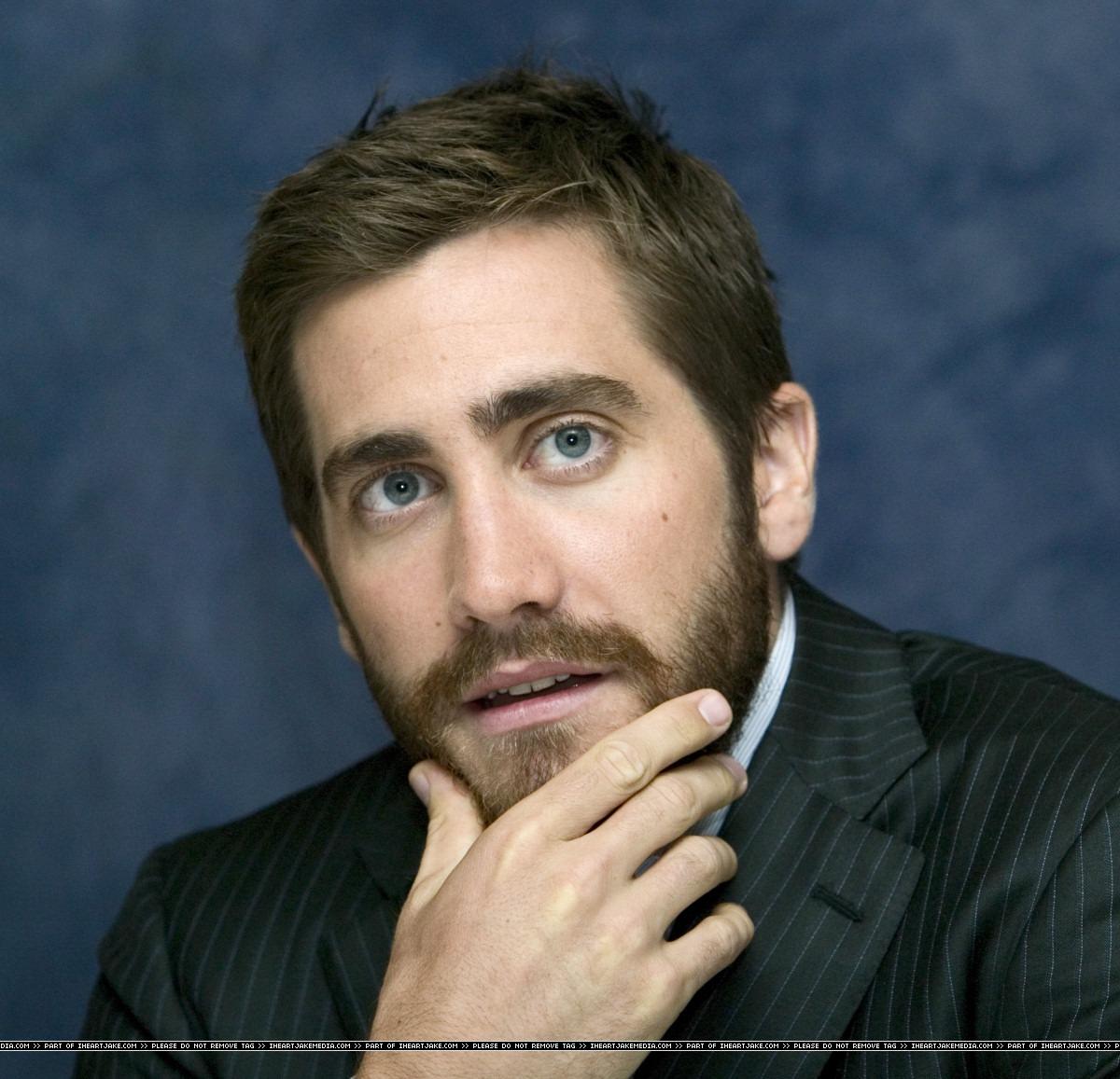 jake gyllenhaal face  x