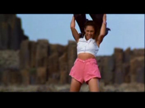 Amy Jo Johnson achtergrond entitled Mighty Morphin Power Ranger: The Movie